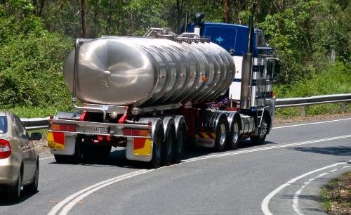 Cisterne per il trasporto di merci pericolose su strada.