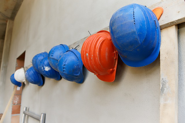 Sicurezza sul lavoro, reato di favoreggiamento per il lavoratore che mente sull'infortunio di un collega per proteggere il datore