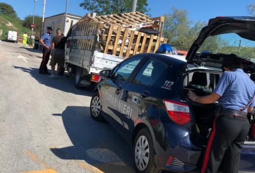 Trasporto illecito di rifiuti e confisca del veicolo: un esempio di leggi che si pestano i piedi.